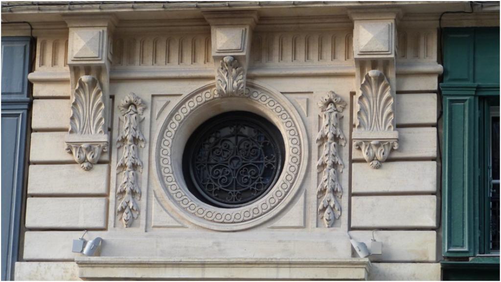 Dictionnaire d 39 architecture l 39 oeil de boeuf for Oeil de boeuf porte