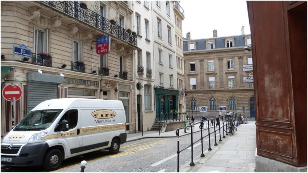 Les rues aux noms insolites la rue des mauvais gar ons for Rue des garcons