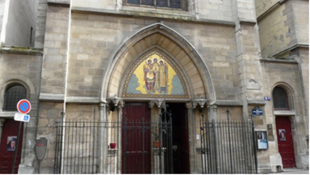La chapelle des saints archanges - Cinema porte de la chapelle ...