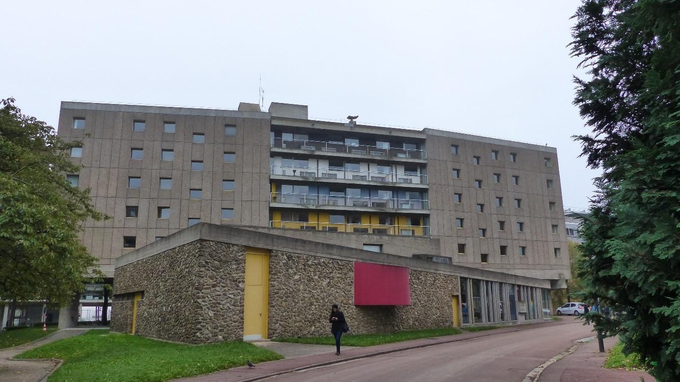 La cit universitaire la maison du br sil for Architecte bresilien
