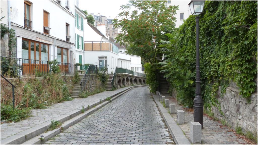 La rue saint vincent for Jardin 75018