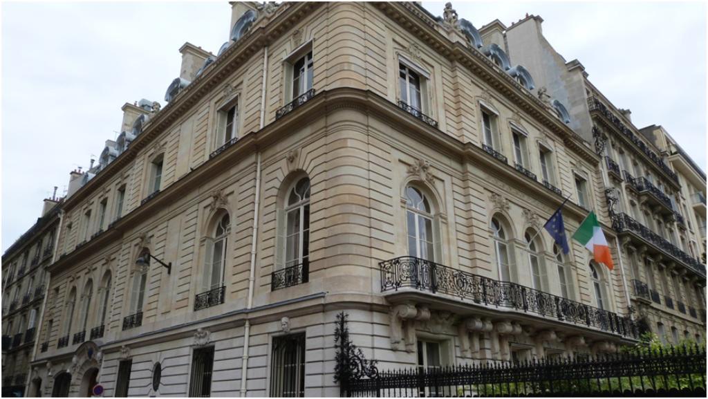 Le château de Breteuil - Page 2 Paris_16_ambassade_irlande