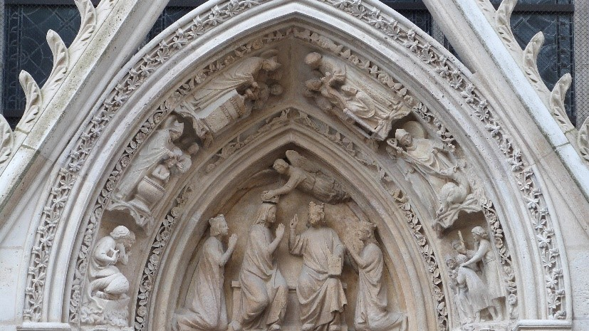Notre Dame La Porte Rouge
