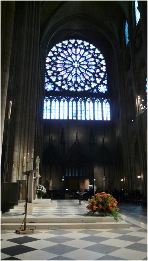 La Cathédrale Notre Dame De Paris Lintérieur