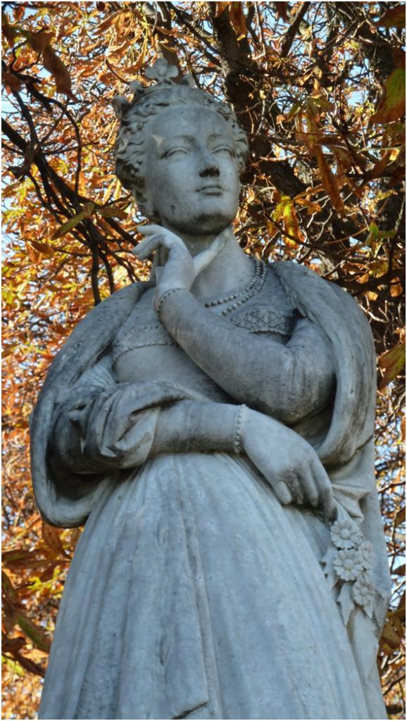 Les statues du Luxembourg - La statue de Marguerite de Navarre