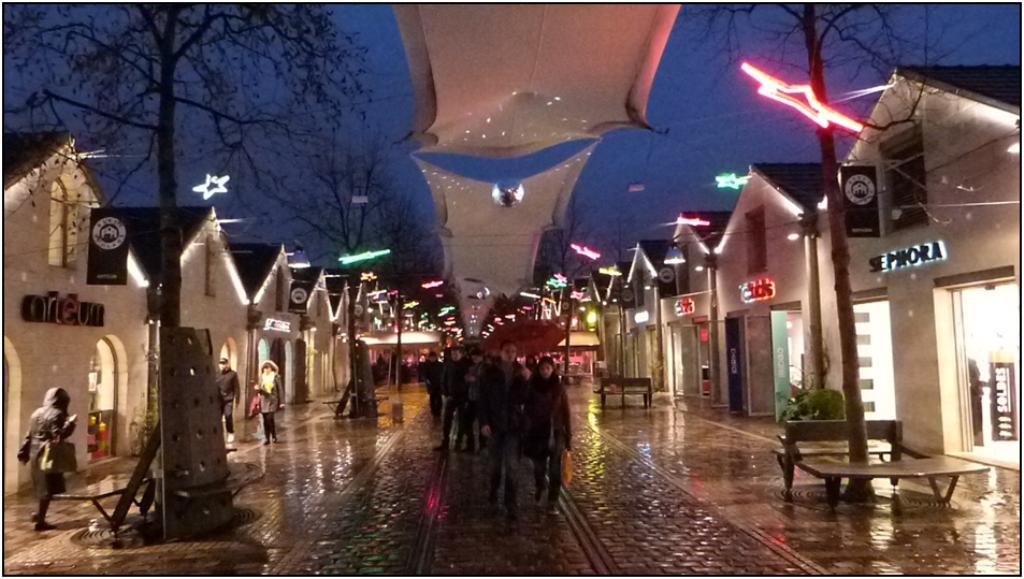 Le quartier de bercy village - Cours saint emilion paris ...